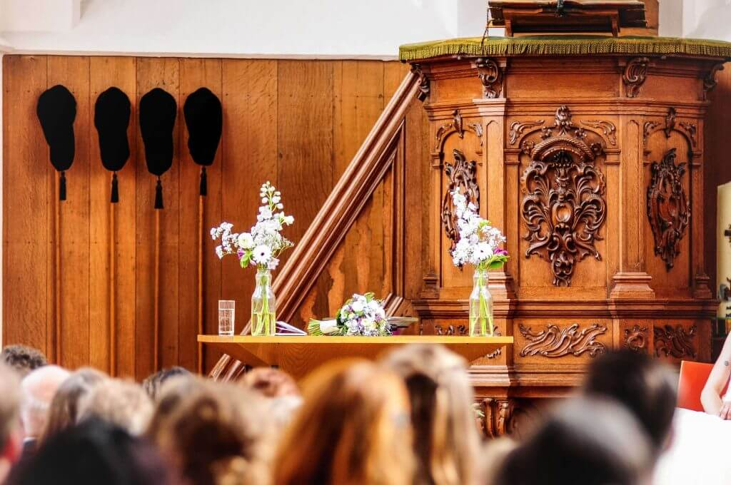 Huwelijksvoltrekking Ruïnekerk Bergen NH